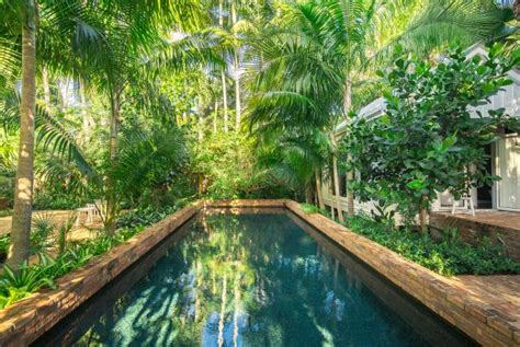 Landscape Your Pool for a Lush Look | DIY