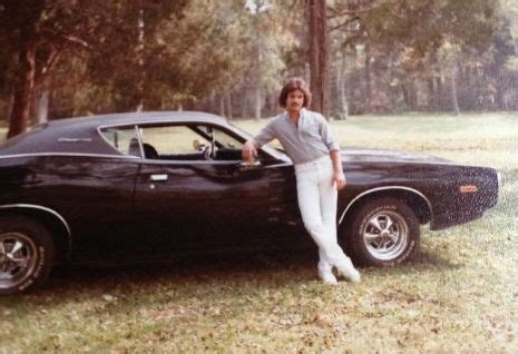 Back in the '70s: Vintage photos of people posing next to