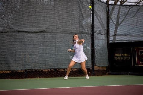 Elon Grounds UNCW In 6-1 Win Friday Afternoon - Elon